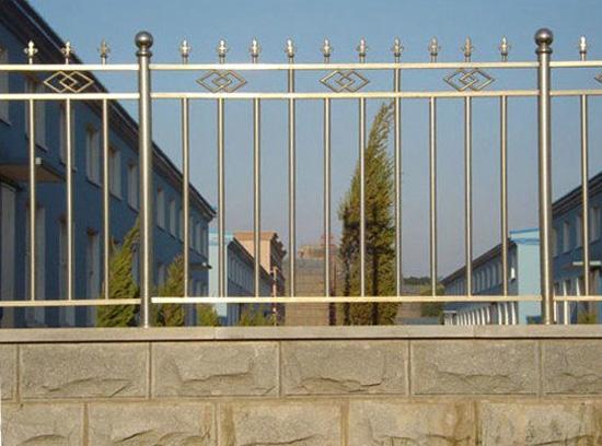白钢护栏3